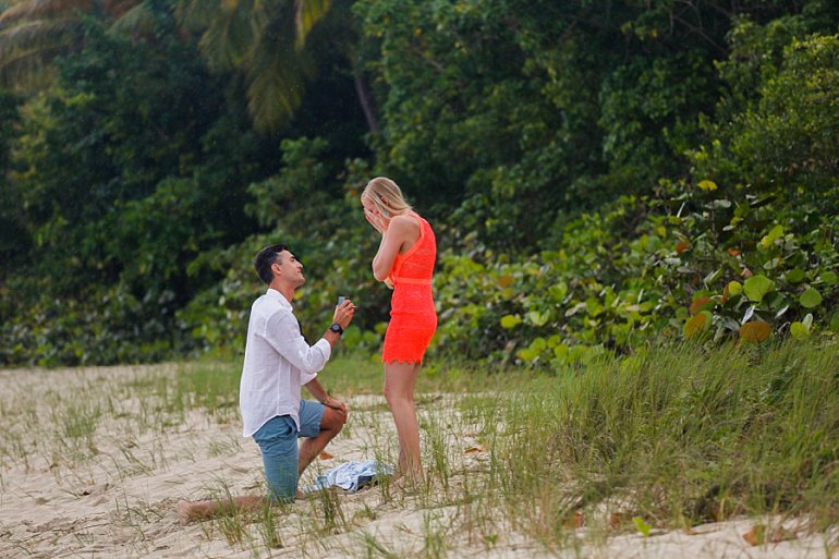 Man proposes at Magens Bay Beach