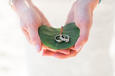 Wedding rings in seagrape leaf for destination wedding in St. Thomas