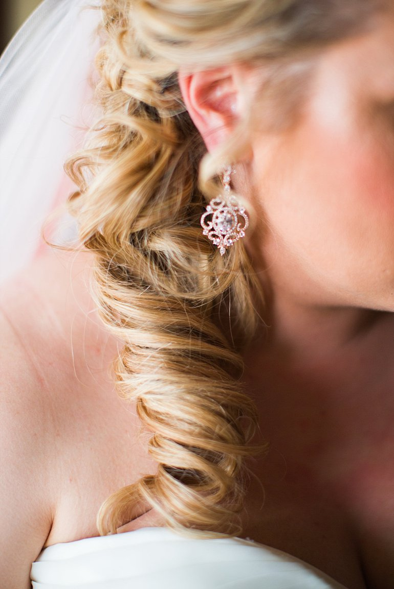 Rose gold chandelier earring for wedding